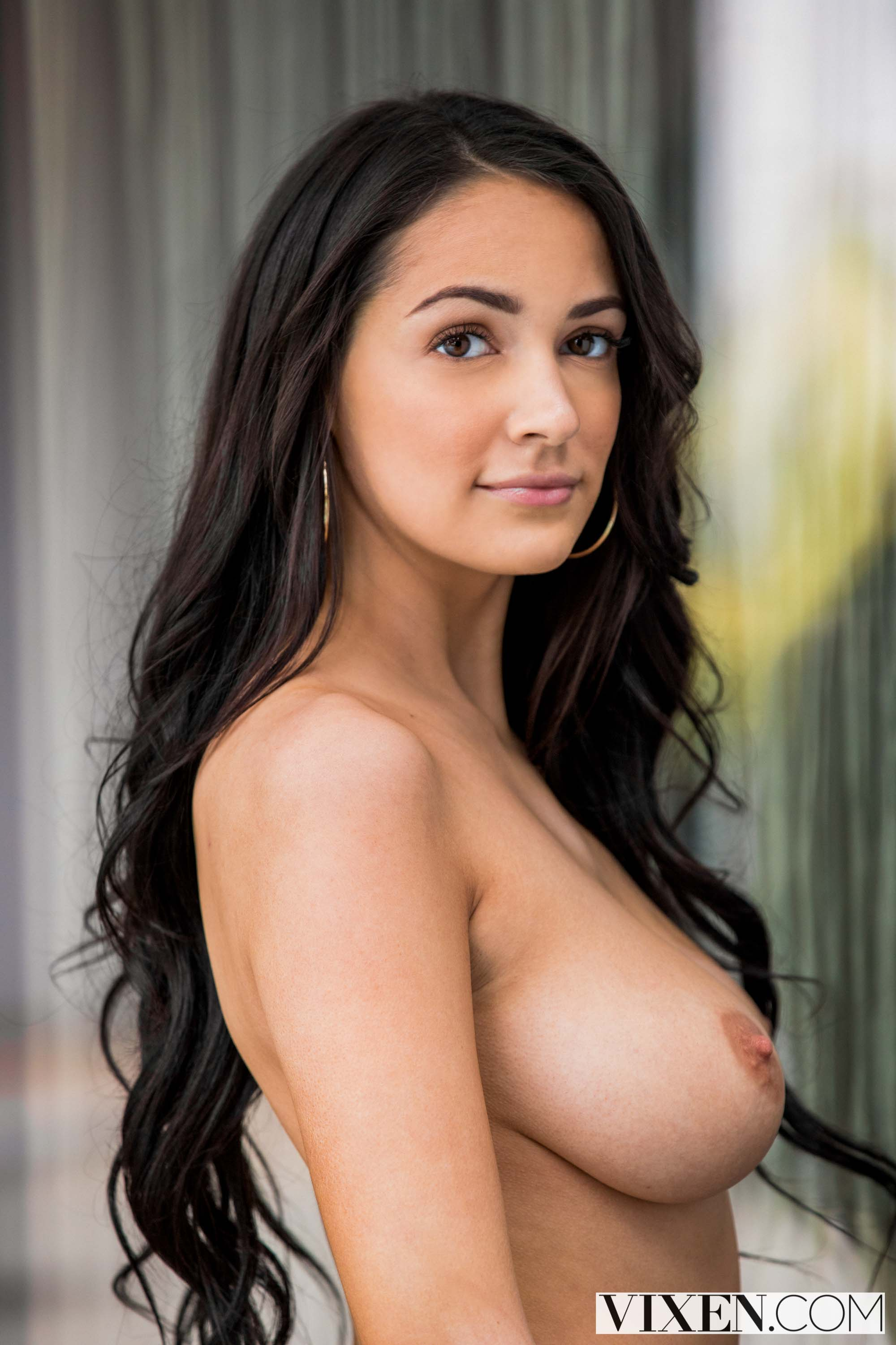 Karlee Grey - Our First Celebrity Hook-Up | Picture (3)