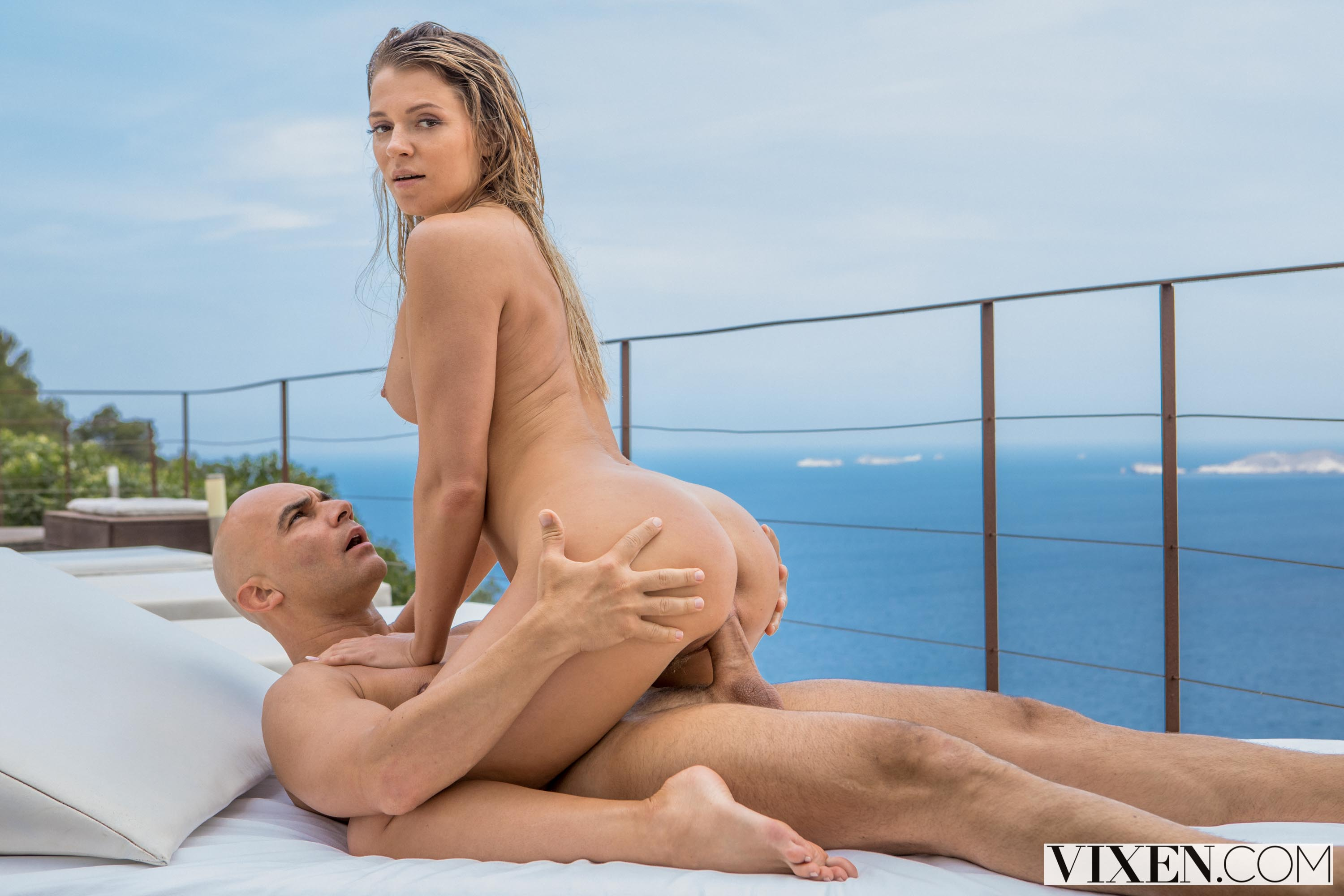 Mary Kalisy - Babysitting In Ibiza | Picture (12)