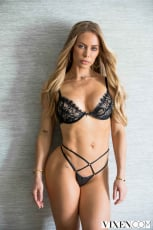 Nicole Aniston - SPA Day | Picture (1)